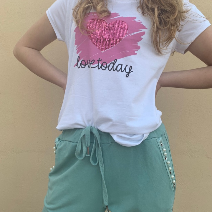 NEW!   CAMISETA LOVE TODAY